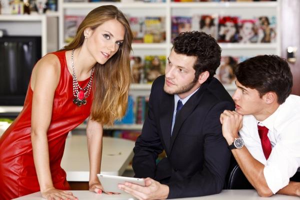 Veja dicas para tratar sua namorada de maneira correta no ambiente de trabalho