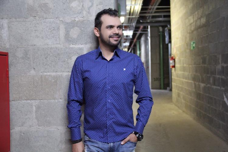 bruno-figueredo-blogueiro-camisas-factual-ensaio-001