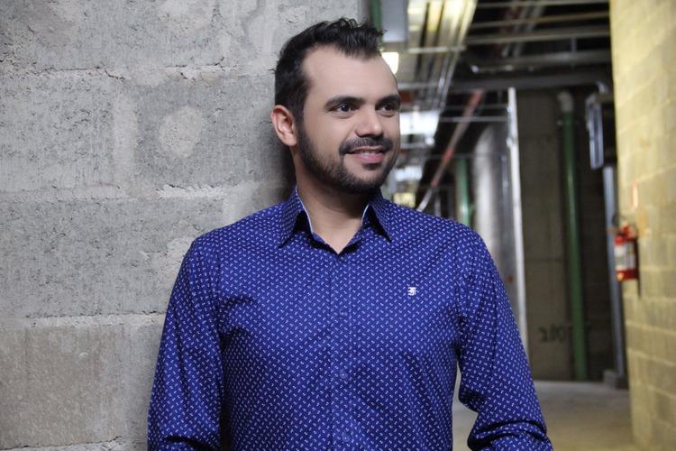 bruno-figueredo-blogueiro-camisas-factual-ensaio-002