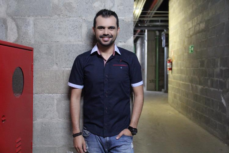 bruno-figueredo-blogueiro-camisas-factual-ensaio-039