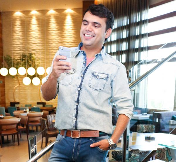 Bruno Figueredo com coleção VR